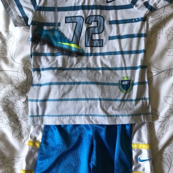 Nike Other - Boys Shirt and Shorts